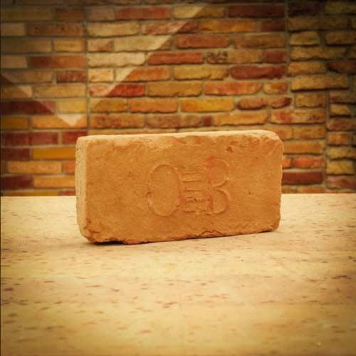 O.B. pecsétes címeres bontott antik műemlék tégla